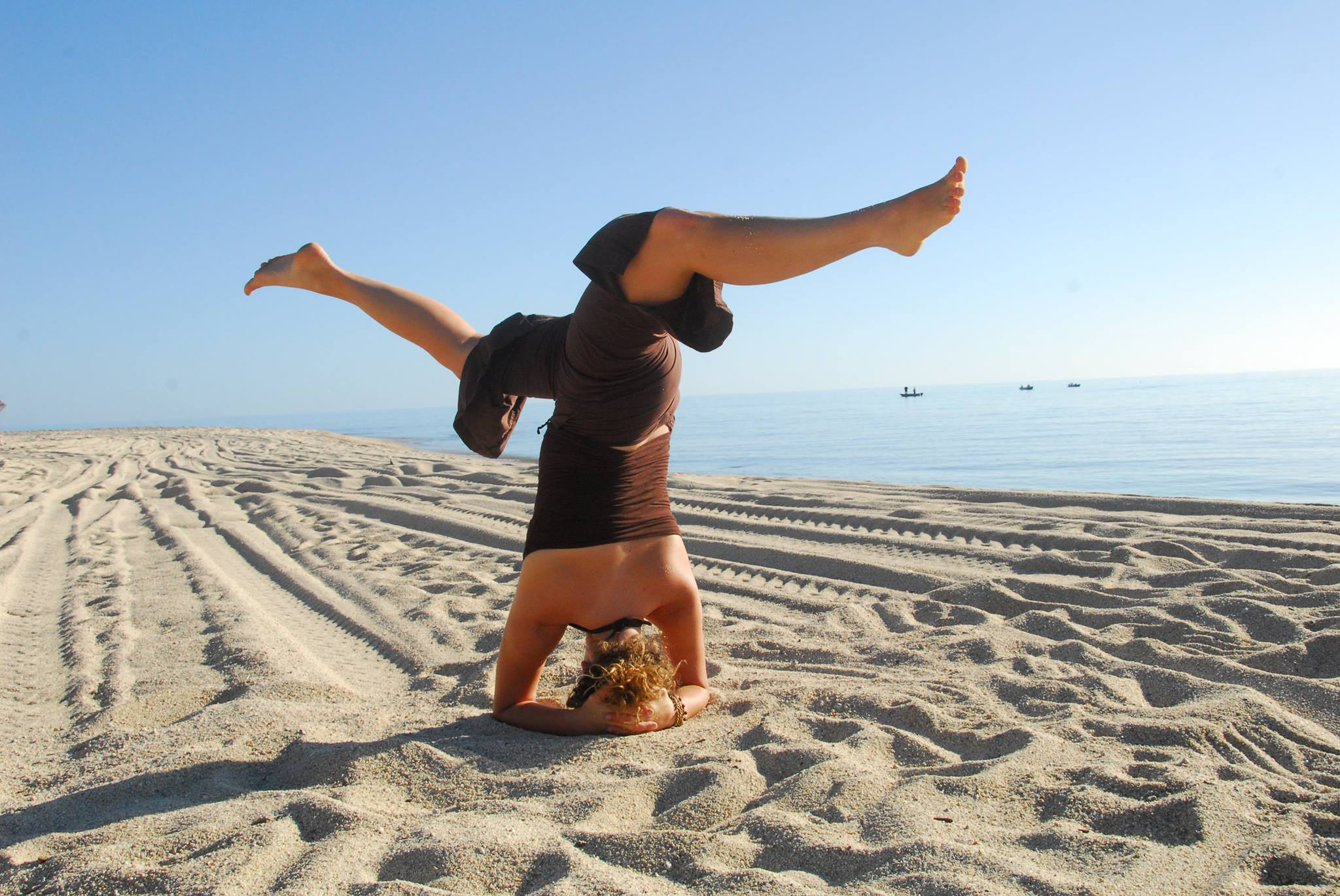 Special week Fall Yoga Beach Retreat Weekend with Carson Efird + Hayley Hedges from EVOLVE Movement
